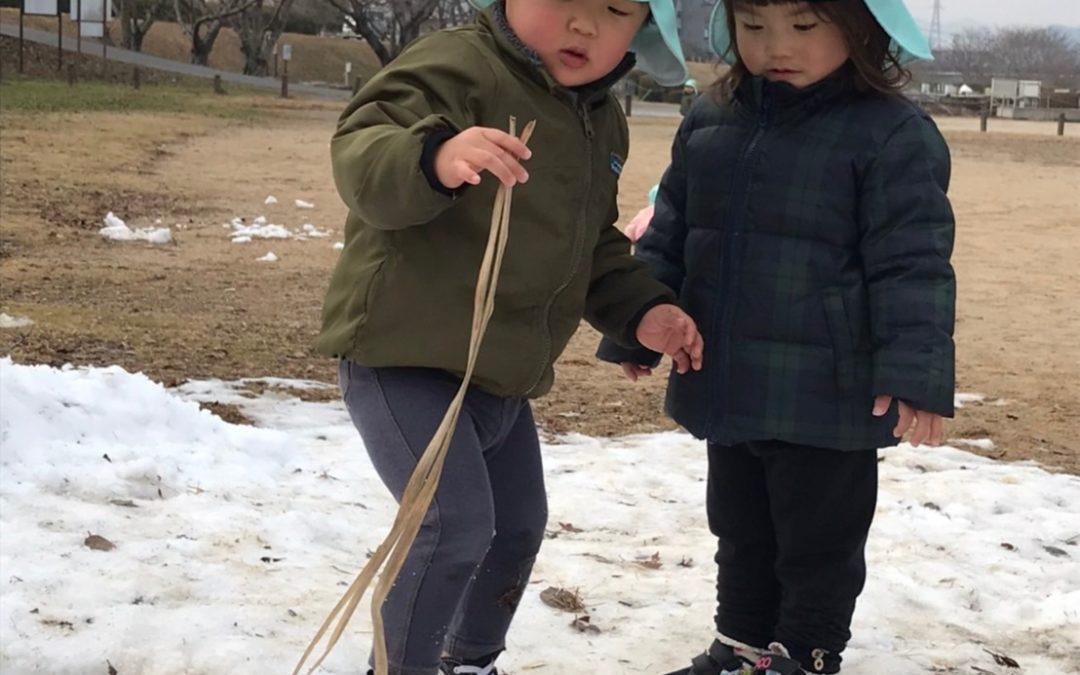 (中央)河川敷に雪スポット!!